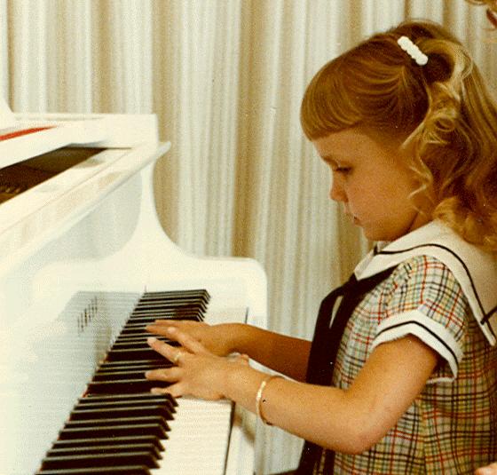 crianca-tocando-piano
